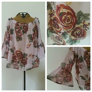 HD in PARIS off shoulder floral blouse XS